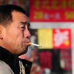 Aumenta consumo de cigarro na China